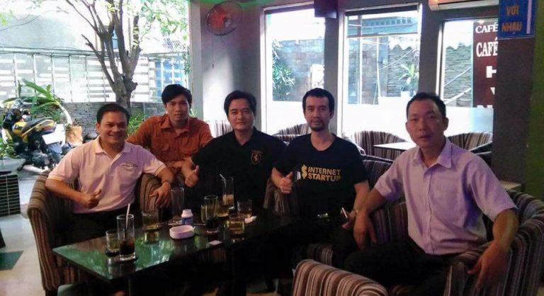 hoi-coffee-cung-chuyen-gia-768×418